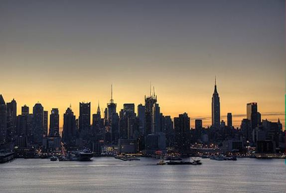 Manhattan Skyline (c) Nic Oatridge 2007